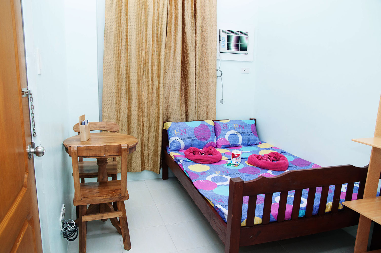 www.rooms498.com Bedspace,Accommodation, Apartelle, lodging in Manila, room for rent, budget apartelle,inn, Daily monthly Rental.