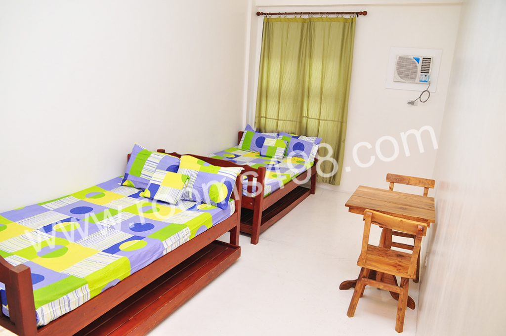 DAILY MONTHLY RESIDENTIAL ROOM RENTALS WWW.ROOMS498.COM